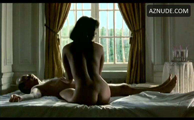 81 2 women nude clip