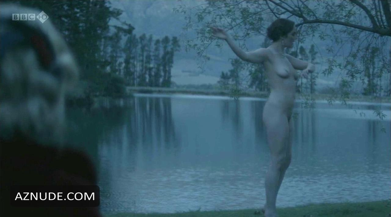 Ideal Tipping The Velvet Nude Photos