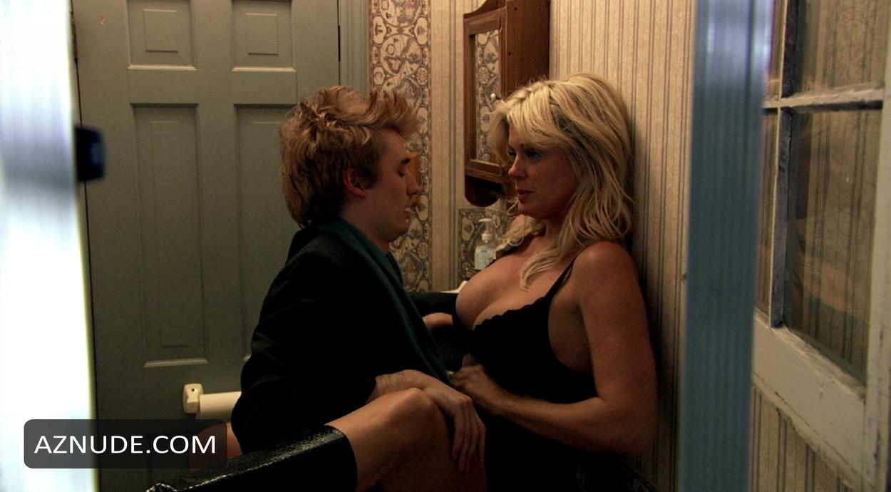 Rachel hunter sex video apologise, but