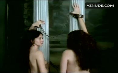 Montague nackt Séana  Sexy: Nude