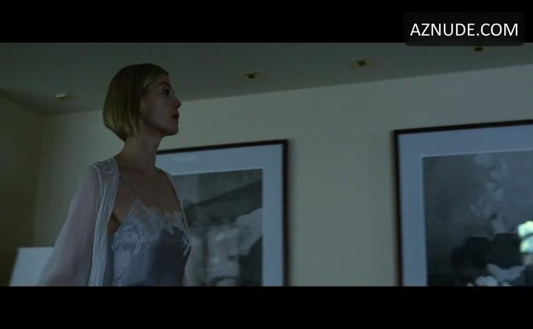 Rosamund Pike Sexy Scene In Gone Girl - Aznude-9523