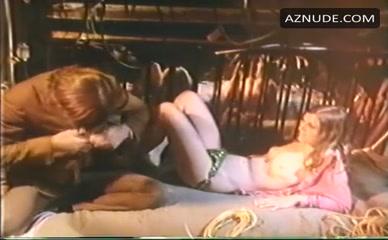 Paradise  nackt Sally Porn comics,