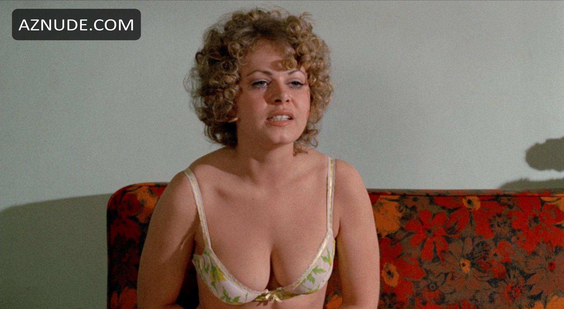 Striptease bikini video