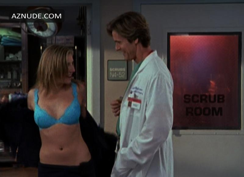 Sarah Chalke Underwear Scene In How To Live With Your Parents
