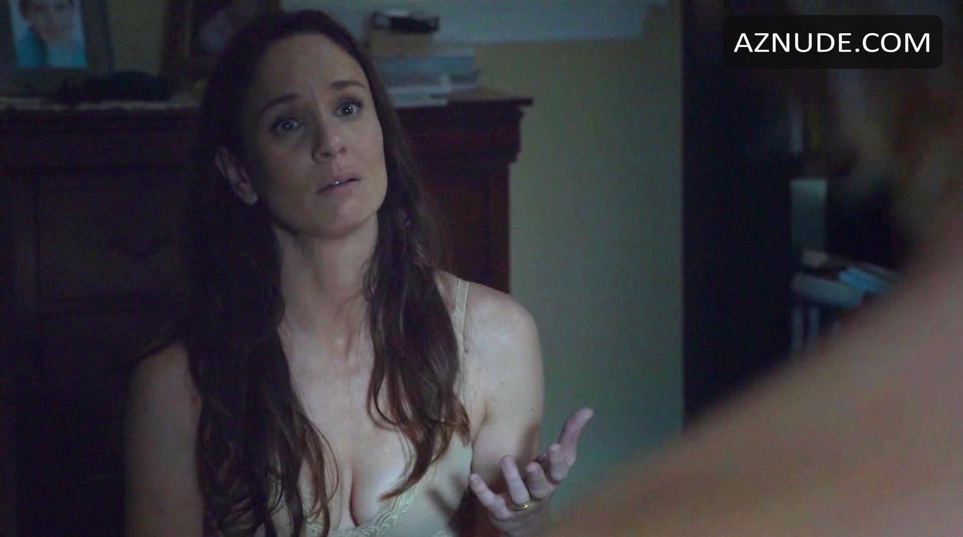 Naked Sarah Wayne Callies in Whisper