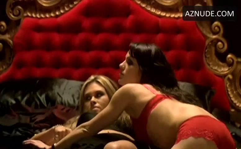 Sara Michelle Ben Av Underwear Scene In The Sisterhood -7893