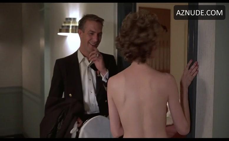 Petits gémissements, Gigantic nude men pics of naked young