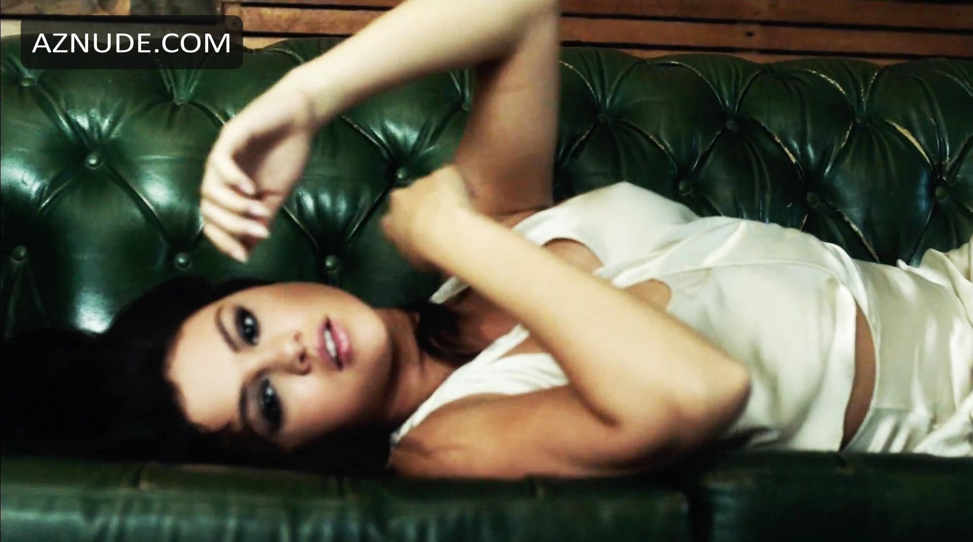 Selena gomez nude scenes