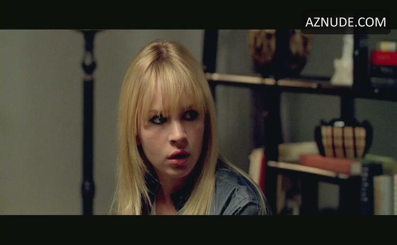 Selma Blair Sexy Scene 29