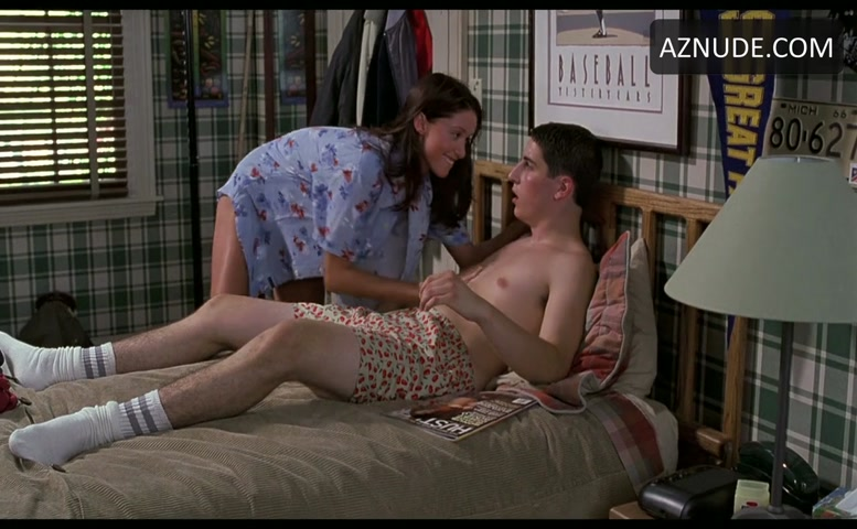 from Zaiden who is the midget girl in american pie naked