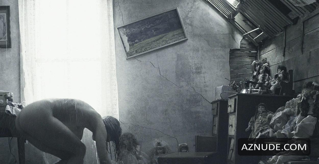 Naked shannyn sossamon Shannyn Sossamon