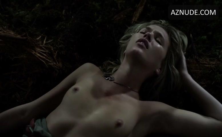 embrace of the vampire scene