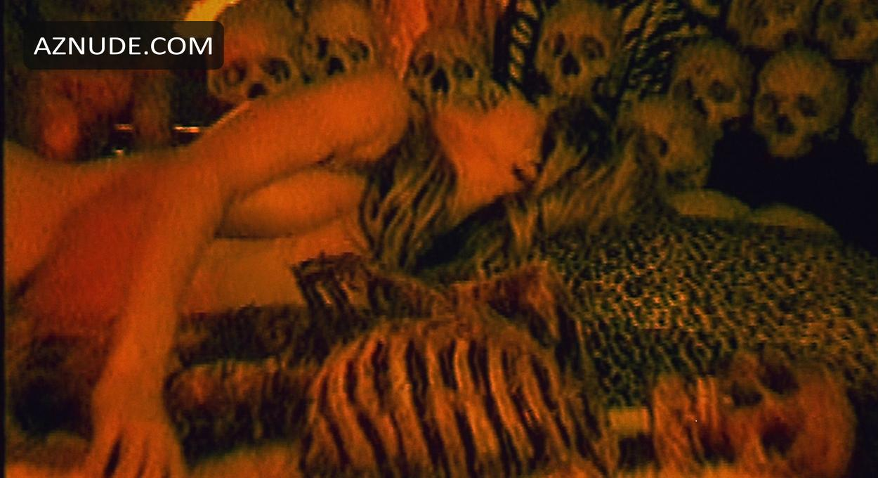 House of 1000 corpses sex scenes