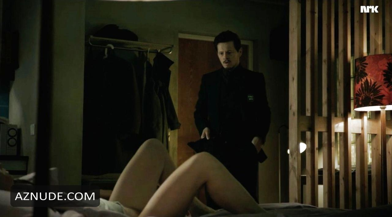 lauren holly nude scene
