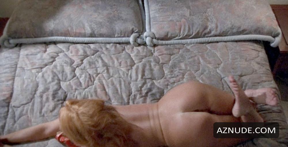 Stephanie Beaton  nackt