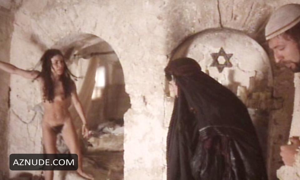 Lindsay Lohan Nipples GM Car Show  Celeb Jihad
