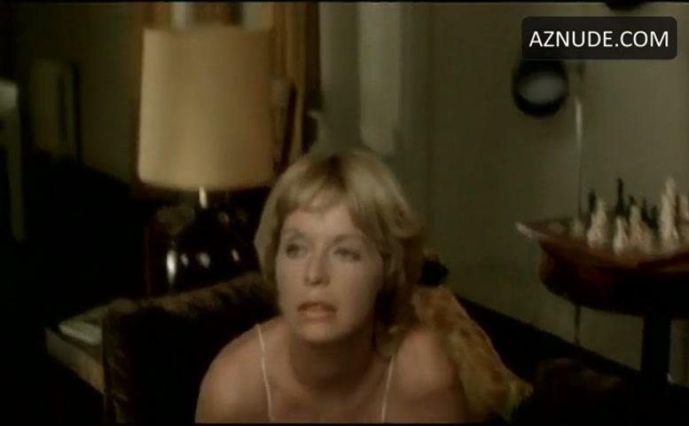 Nancy Simmonds  nackt