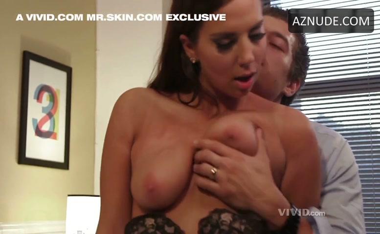 Tight girls big boobs