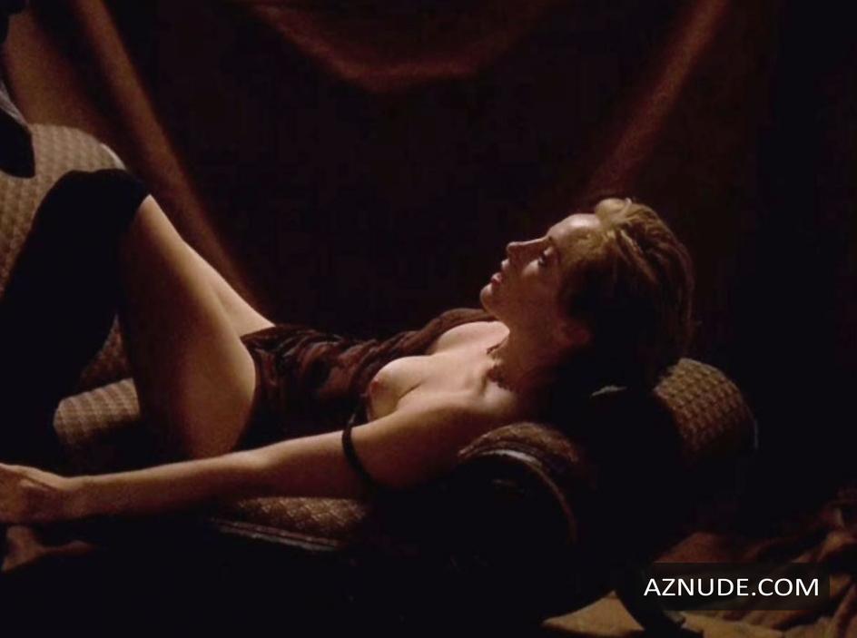 Hot Alyssa Milano Nude Poison Ivy HD