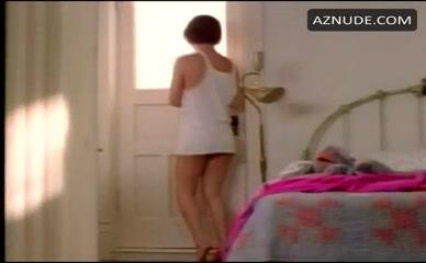 tara-fitzgerald-hot-nude-pics-short