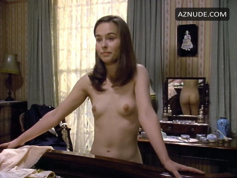 Uschi digard in lesbian scene from tata tota lesbian blog - 2 part 9