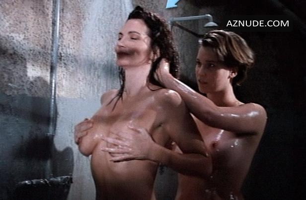 Attractive Rebecca Chambers Nude Pics