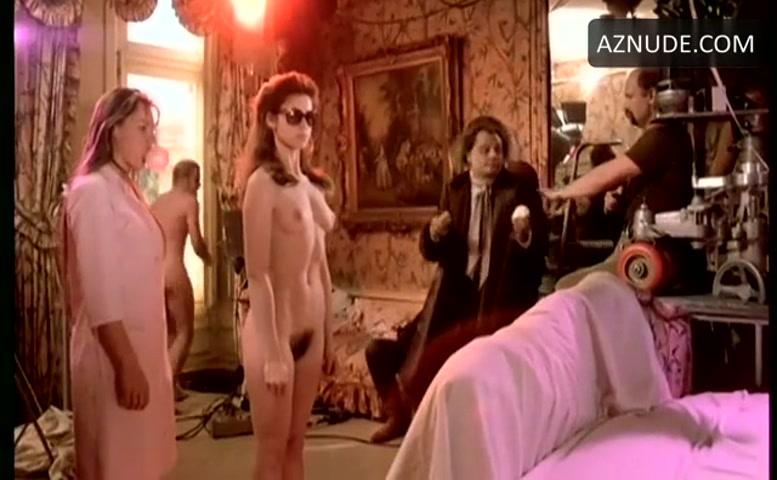 Valerie Kaprisky Breasts, Bush Scene In La Femme Publique -1243