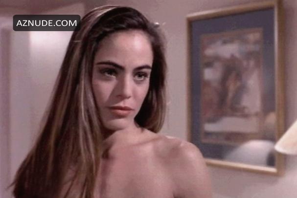 lady masturbating and squirting